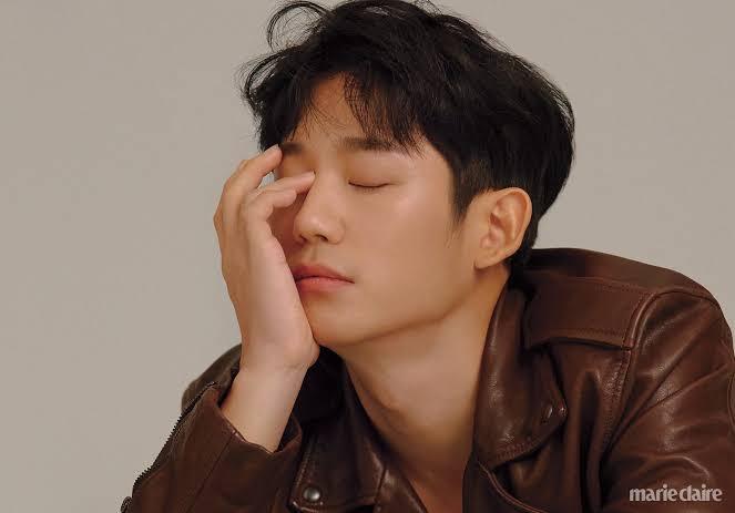 Jung Hae In é feio? Pode ser para você, mas que tal respeitar o seu trabalho como ator?