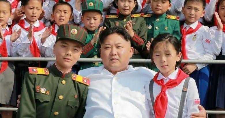 """Órfãos norte-coreanos são celebrados como """"voluntários"""" para trabalhar em minas e fazendas de carvão"""
