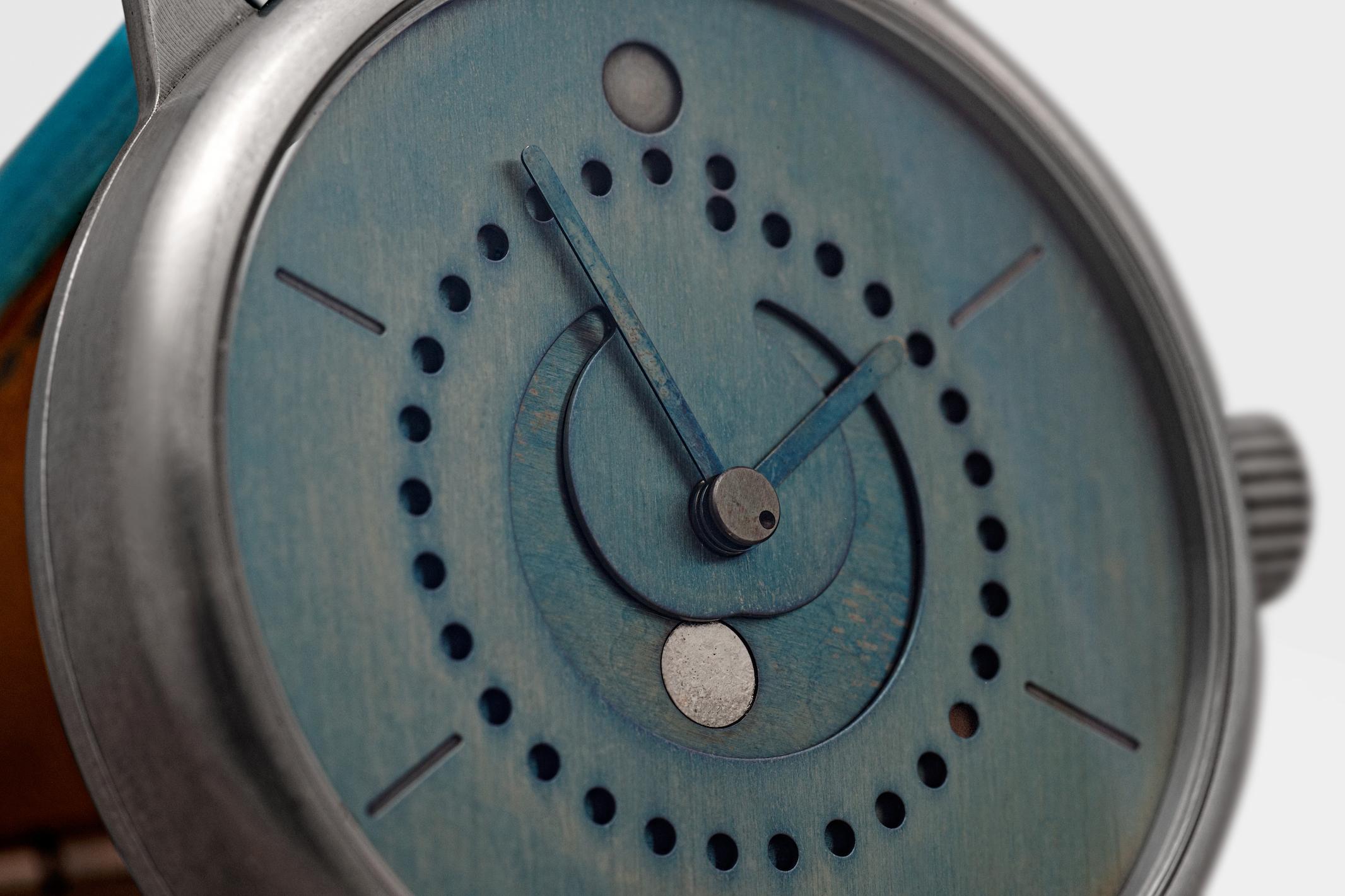ochs und junior: Rigorously Simple Watches