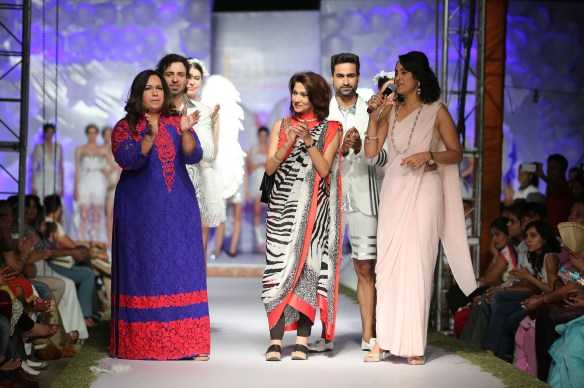 (L-R) Neetu Pavan Manikatalia  Vandy Mehra  Shivani Wazir with models at the conclusion of the show