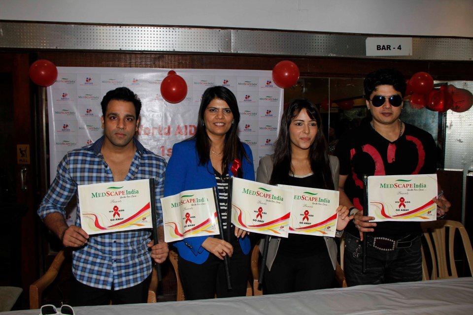 Abhishek Avasthi  Dr Sunita Dube  Aanchal Munjal With Harish At World AIDS Day Event