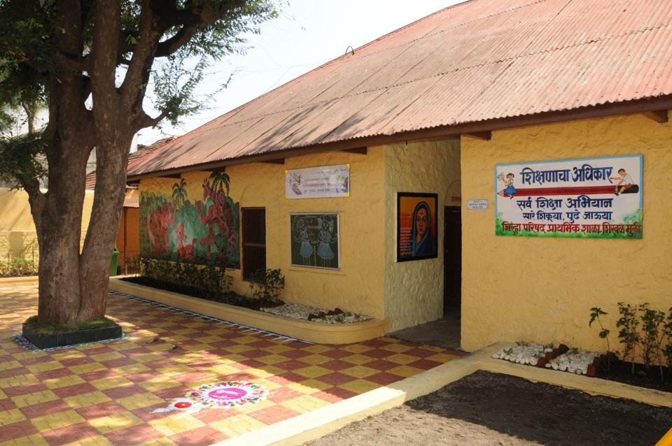 Inauguration of SHirwal school - pic4