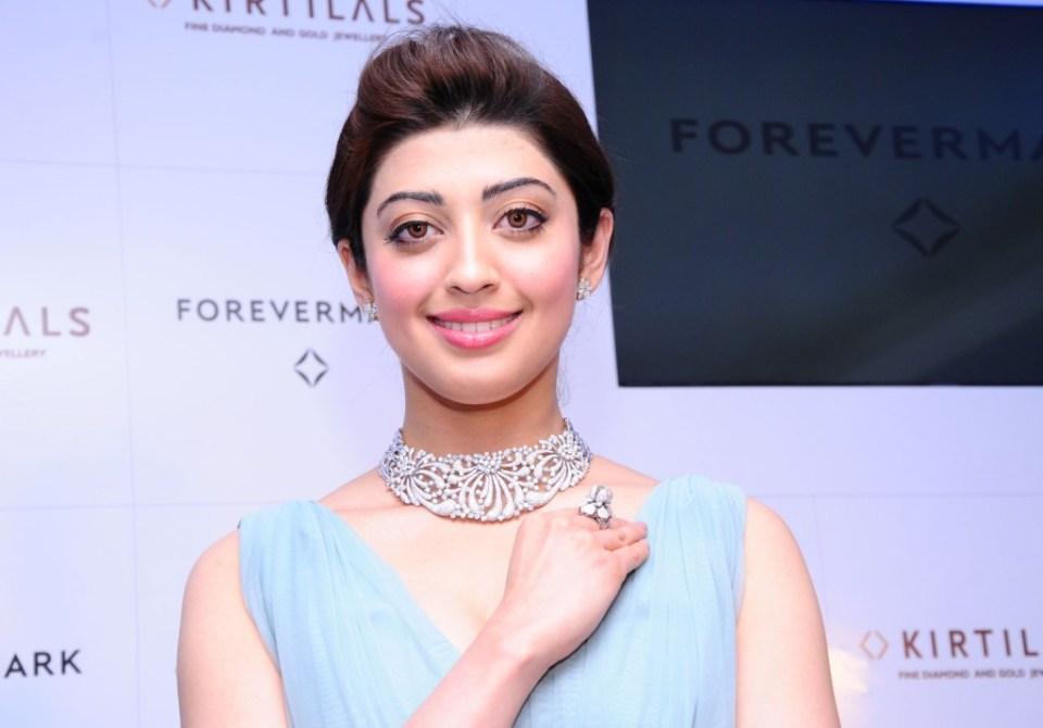 Pranitha Subhash at the launch of Forevermark Diamond at Kirtilals Bangalore (2)