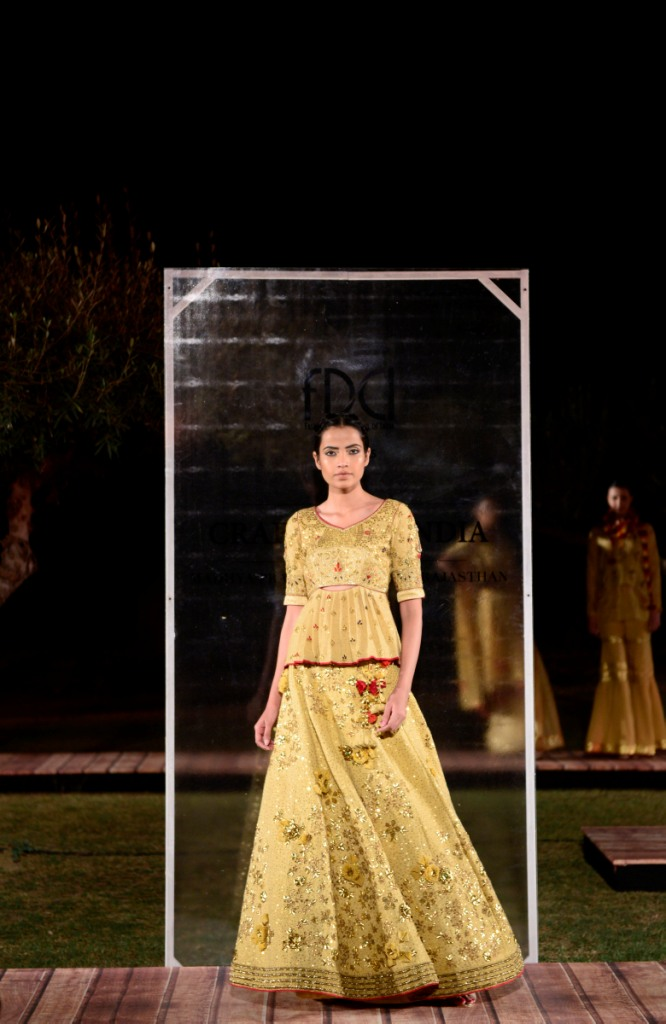 swati-ubroi-at-fdci-presents-crafted-in-india-representing-rajasthan