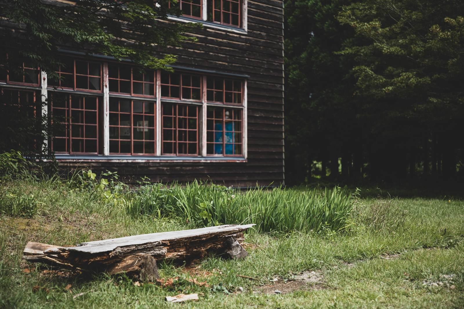 時空にまつわる不思議な体験『旧校舎の庭園』など短編全5話