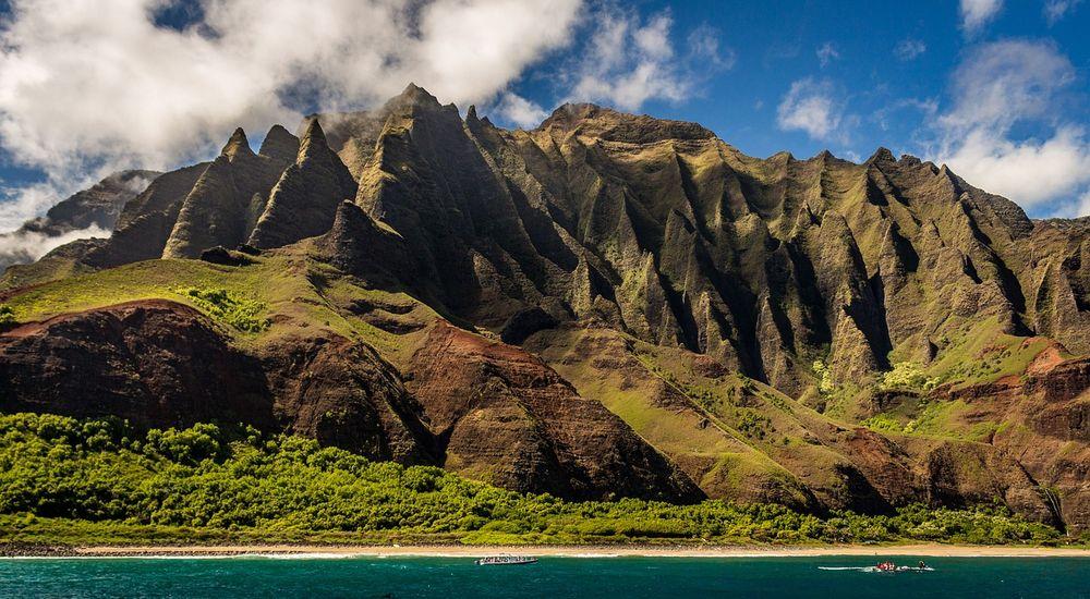 ハワイ神話の神々 一覧|ハワイ四大神・守護神・ティキなど