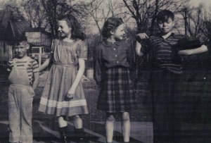 Abt 1940 Cousins Playing Around