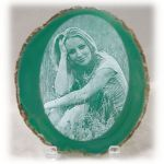 1016lasersketch-girl-in-grass-on-green-agate