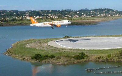 Breathtaking plane Landings at Corfu Island