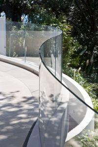 Γυάλινα κάγκελα – Στηθαία