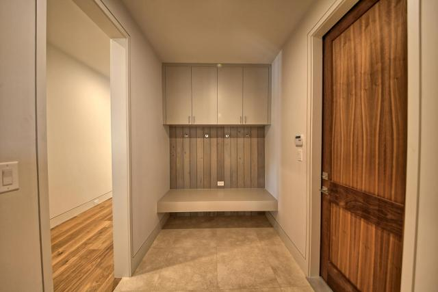 8901 Calera Dr Austin TX 78735-large-061-46-Mudroom-1500x1000-72dpi