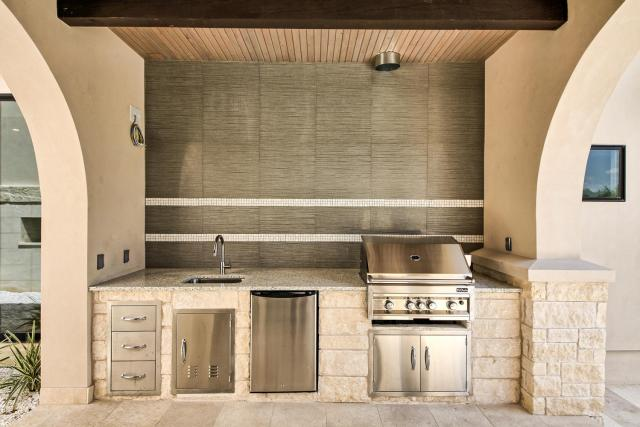 8901 Calera Dr Austin TX 78735-large-068-82-Outdoor Kitchen-1500x1000-72dpi