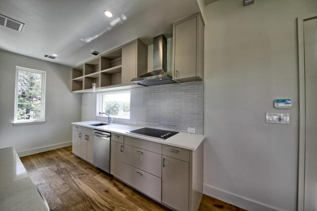 8901 Calera Dr Austin TX 78735-large-083-28-Apartment Kitchen-1500x1000-72dpi
