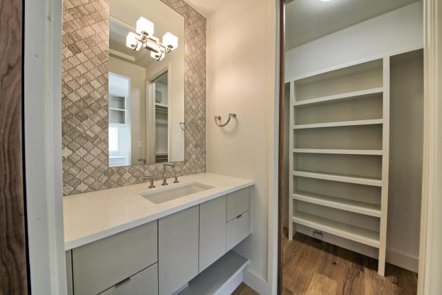 8901 Calera Dr Austin TX 78735-large-084-36-Apartment Vanity and Closet-1500x1000-72dpi