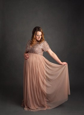 Hudson studio maternity photographer