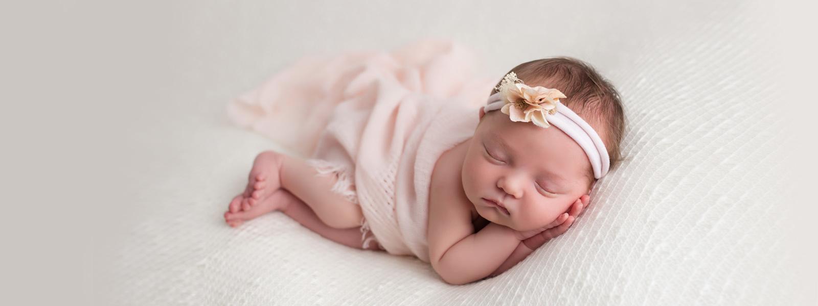 newborn-baby-girl-hudson-ohio