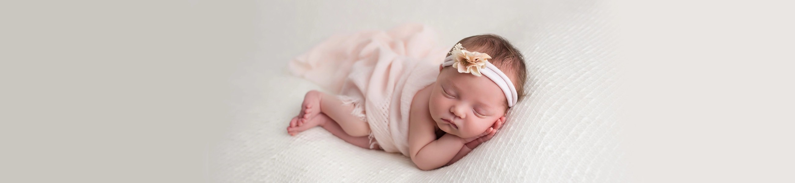 newborn-baby-girl-hudson-ohio