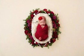 baby red flowers wreath