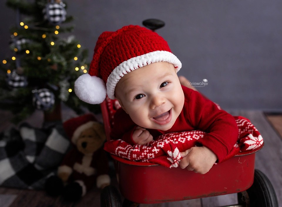 Christmas Newborn Photos Ohio Baby Pictures