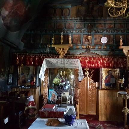 interior Biserica Corbi
