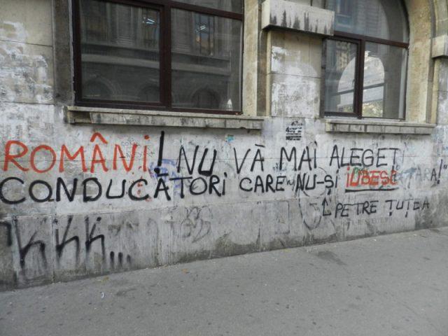 Violenţa tăcută. Sau revolta pereţilor din Bucureşti