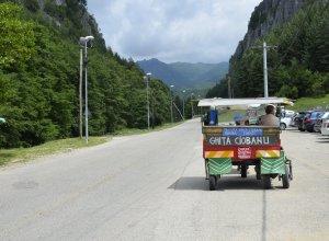 De la Olt și pân' la Jiu via Horezu. Ce vedem pe drum?