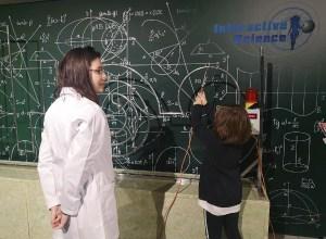 """Muzeim prin București: Expoziția internațională de știință """"Interactive Science"""""""