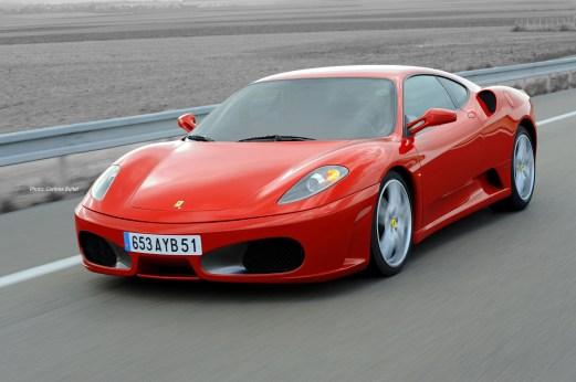 Ferrari sur les routes de Reims