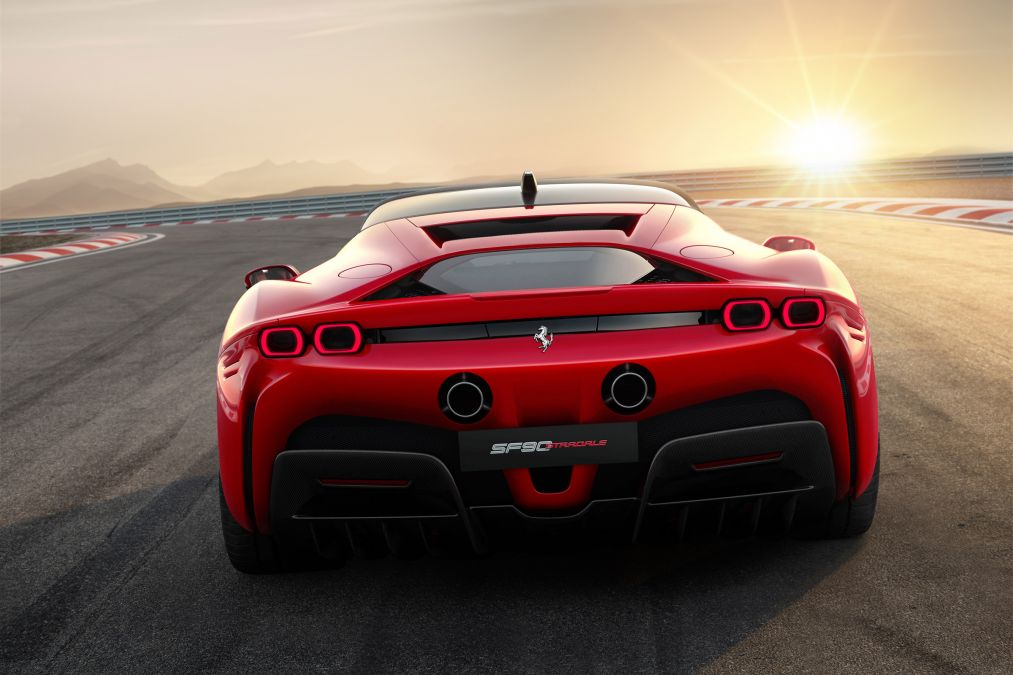 The new Ferrari SF90 Stradale seen from the rear.
