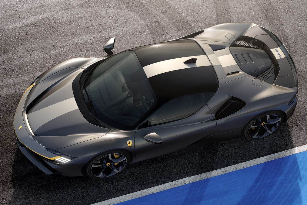 """The """"Assetto Fiorano"""" version of the SF90 Stradale seen from above."""