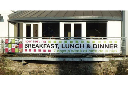 Mesh banner for a cafe