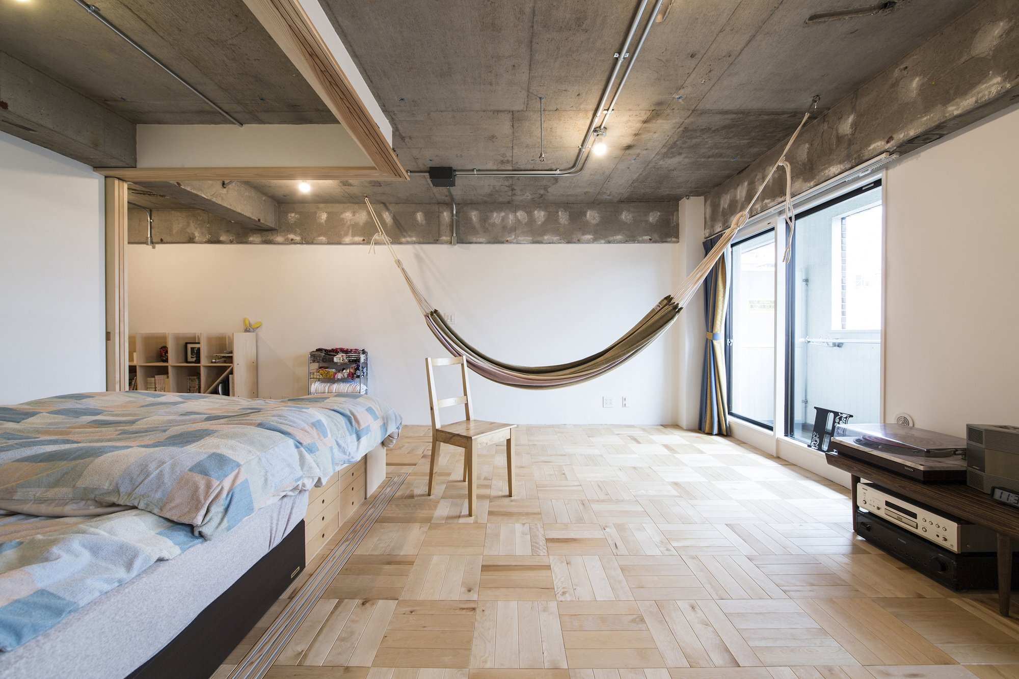 Das Beste Small Japanese Apartment Splits Up Space With Partitions In Diesem Monat Original 1024 x 768