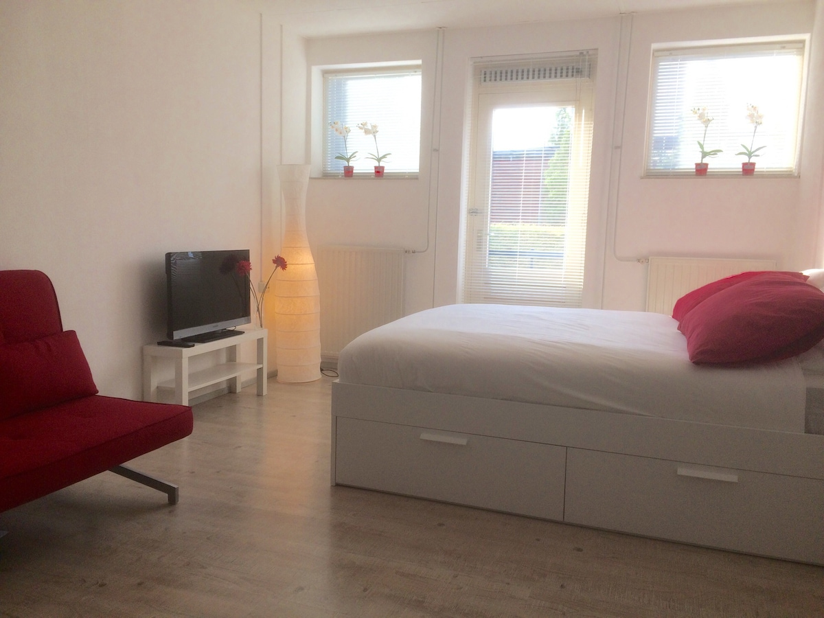 Das Beste Stylish Studio Apartment In Vibrant City Centre In Diesem Monat