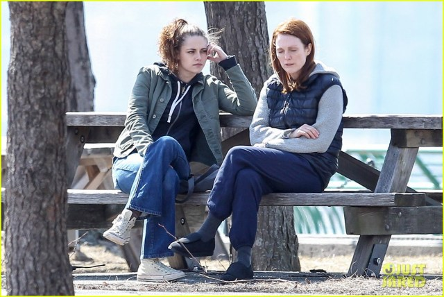 "Kristen Stewart and Julianne Moore take a Walk in the Park for ""Still Alice"""
