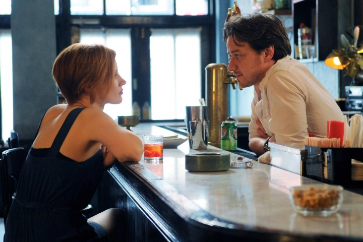 (L-R) JESSICA CHASTAIN and JAMES MCAVOY star in THE DISAPPEARANCE OF ELEANOR RIGBY
