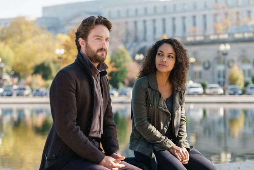 Sleepy-Hollow-Season4-ep1-Ichabod-Abby