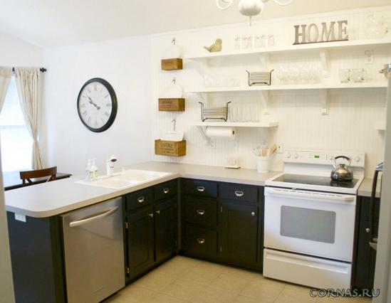 Cucine con piccoli cassetti al piano di sopra. Cucina senza ...