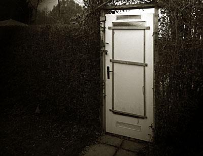 Tür im Nichts