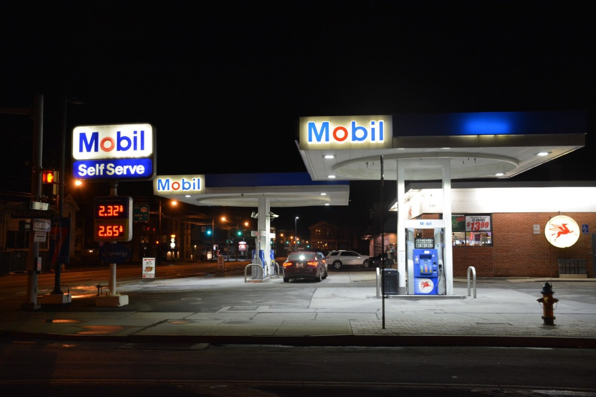 Nearest Mobil Gas Station >> At Least One Stabbed Near Mobil Gas Station In Ithaca The