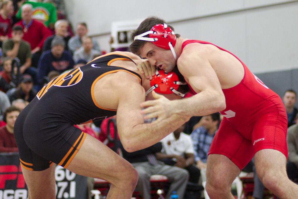 Two-time defending champion Gabe Dean leads the Red's six-man contingent to St. Louis for the NCAA tournament.