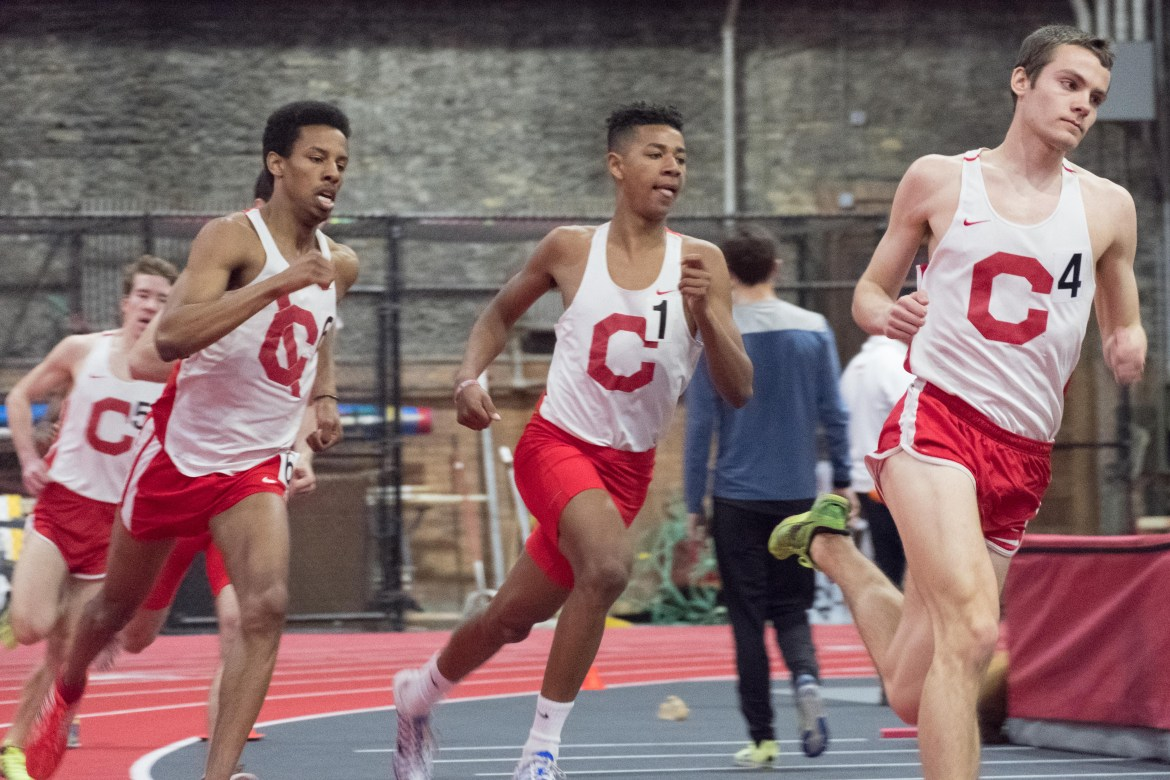 Both men's and women's teams had strong starts to open the outdoor season.