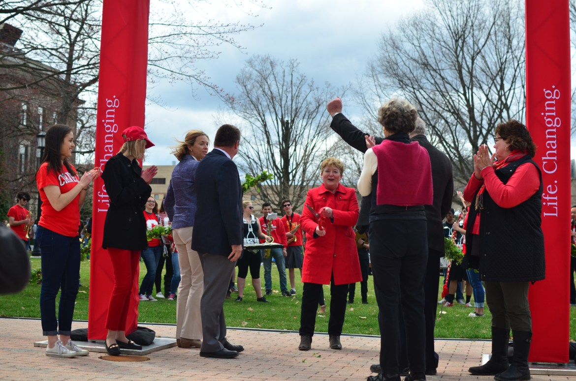 Kathryn J. Boor '80, CALS dean, kicked off CALS Day with the ribbon-cutting ceremony of the newly renovated Ag Quad.