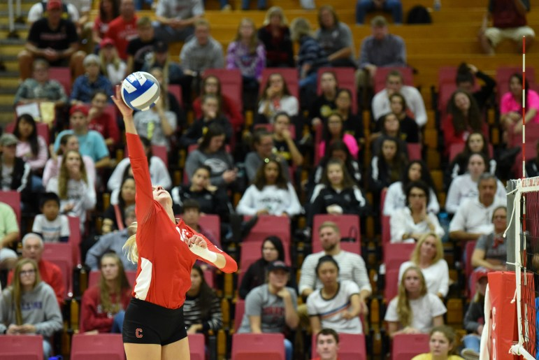 After four consecutive wins in Ivy League play, Cornell volleyball fell to Yale on Saturday. (Boris Tsang / Sun Assistant Photography Editor)
