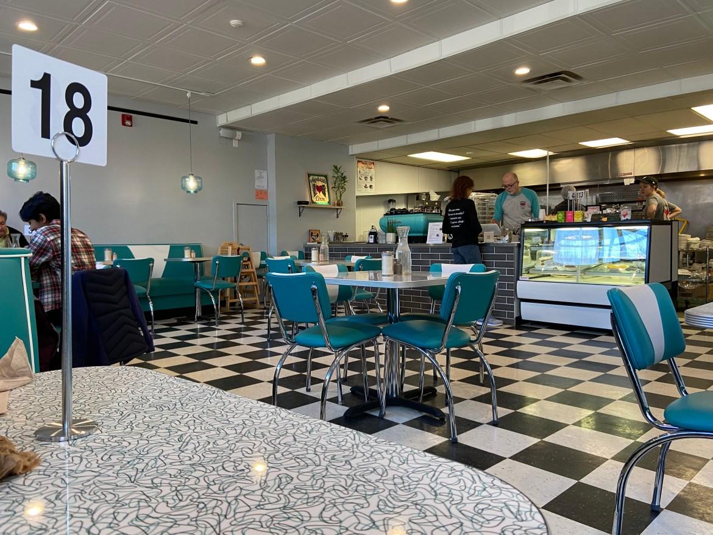 DINING.store_interior