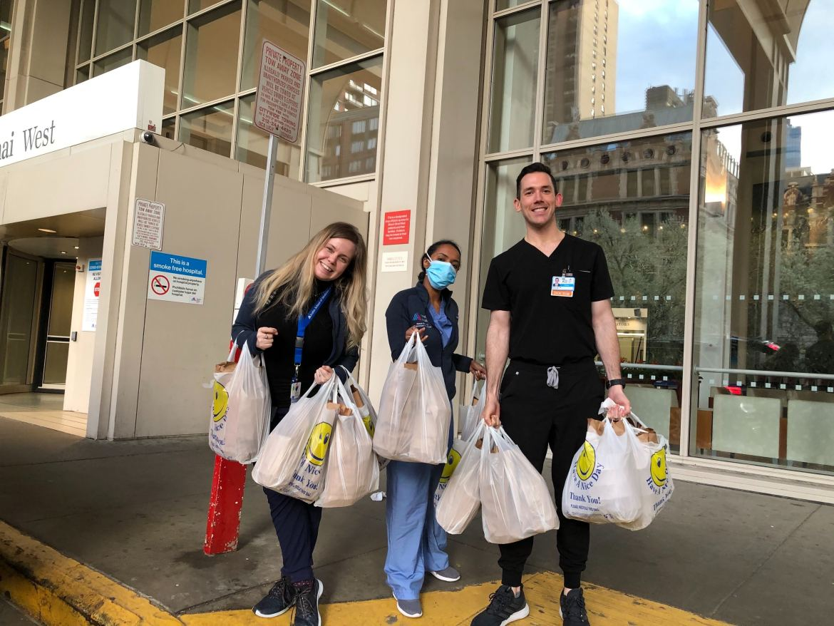 Volunteers from Meals 4 Heroes delivering food to Mount Sinai West Hospital in NYC.