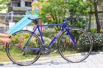 T's_Roadracer_cornerbikes_01