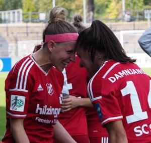 Jubelerprobt: Cecille Sandvej und Jovana Damnjanovic, hier beim Sieg in Potsdam. Foto: Uta Zorn
