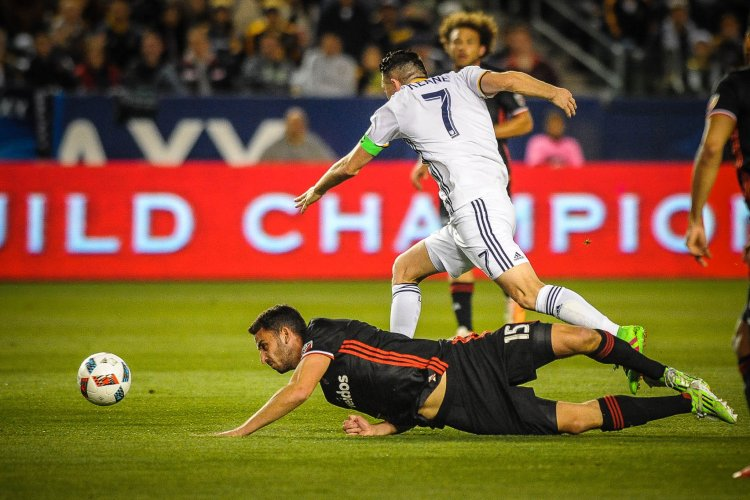 LA Galaxy vs DC United. Photo by Steve Carrillo