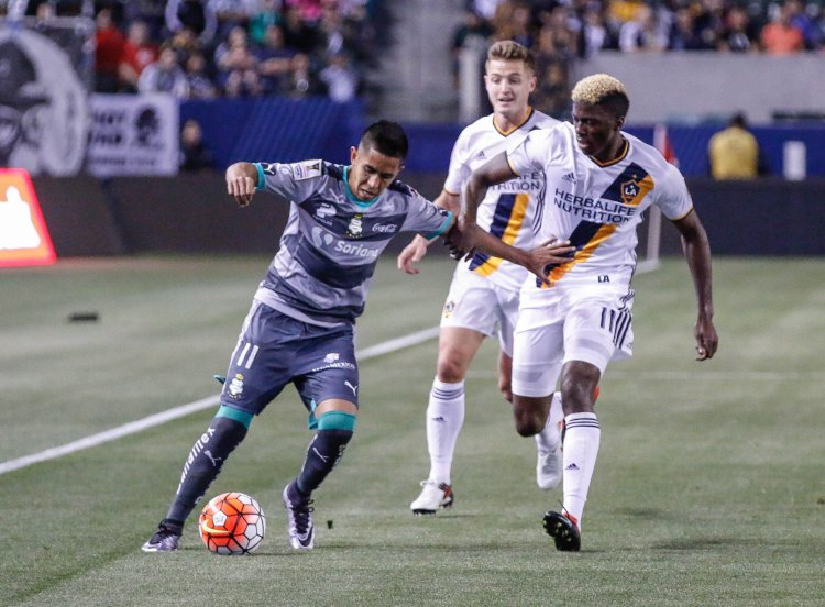 2015-16 CONCACAF Champions League quarterfinals, first leg. LA Galaxy vs. Santos Laguna. Photo Credit: Brittany Campbell