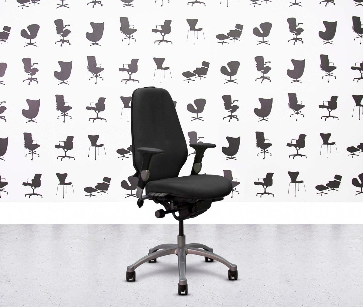 Refurbished ICF Charles Eames - Black Leather - Corporate Spec 1